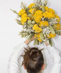 Bouquet de fleurs séchées éternel jaune