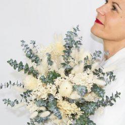 Bouquet de fleurs séchées ivoire et vert spécial mariée à base de feuille d'eucalyptus