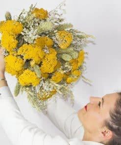Grand bouquet de fleurs séchées jaune