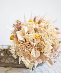 Bouquet de fleurs séchées pastel rose et crème