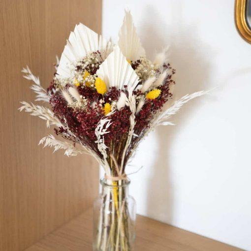 Bouquet de fleurs séchées rouge blanc et jaune