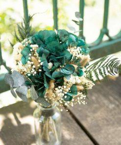 Bouquet de fleurs séchées avec vase