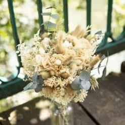 Bouquet de fleurs séchées hortensia