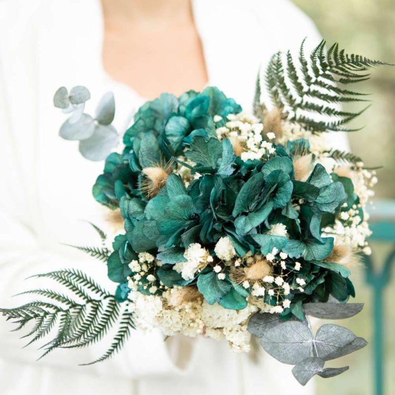 Bouquet de fleurs séchées à base d'hortensia vert