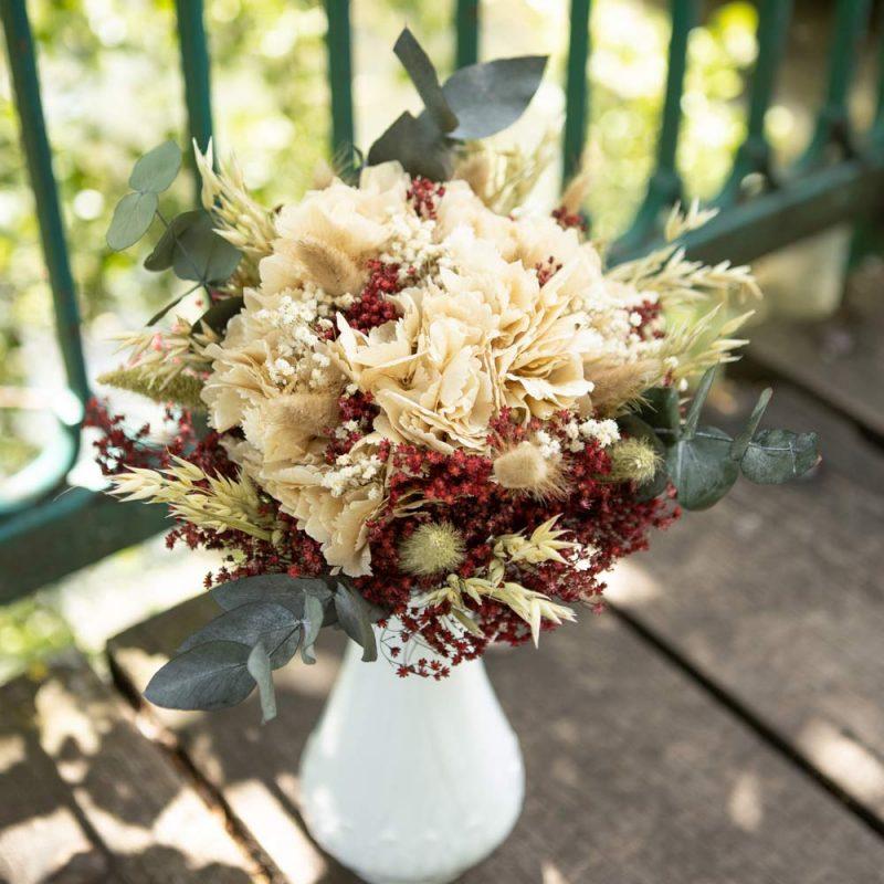 Bouquet de fleurs séchées hortensia crème