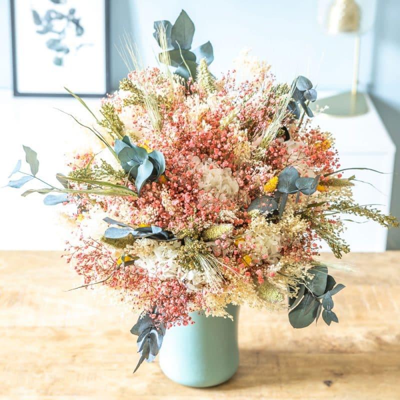 Bouquet de fleurs séchées coloré