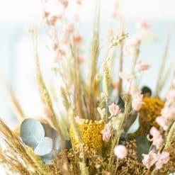 fleurs séchées en bouquet